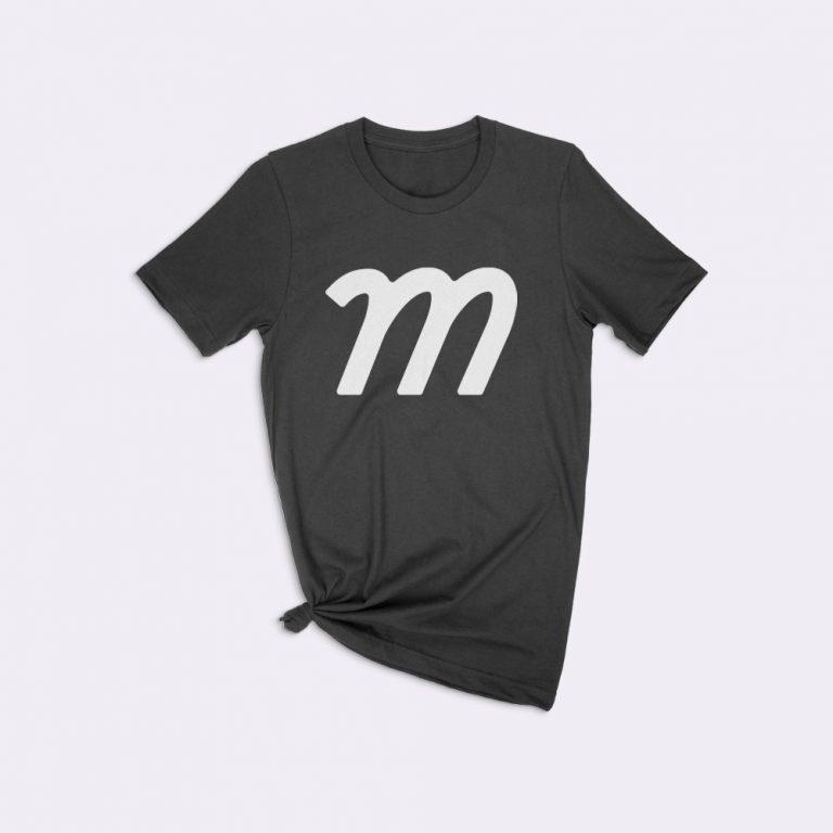 knotted t-shirt mockup generator